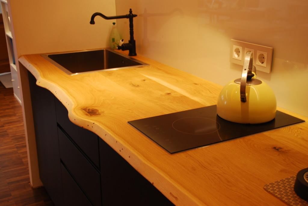 Schwarzes MDF und rustikale Eiche auf Ikea Metod Küche ...