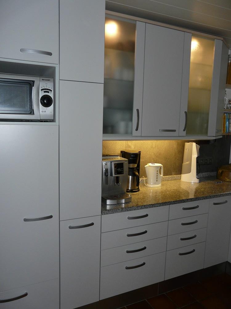 neue k chenfronten bei familie w k chenfront 24. Black Bedroom Furniture Sets. Home Design Ideas